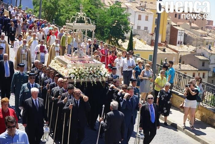 Cuenca celebró el Corpus Chrisit en un domingo ardiente