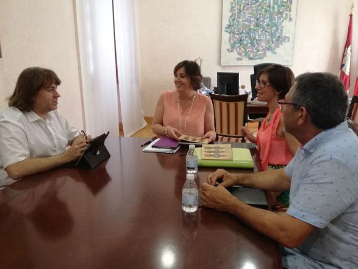 La consejera de Economía, Empresas y Empleo, Patricia Franco, mantuvo un encuentro con la alcaldesa de Miguelturra, Victoria Sobrino