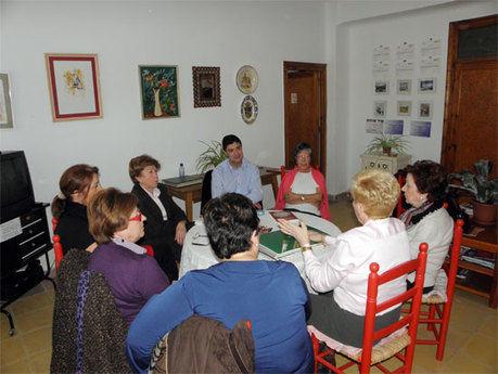 Ávila se compromete a mantener una relación 'cercana y transparente' con la asociaciones de Cuenca