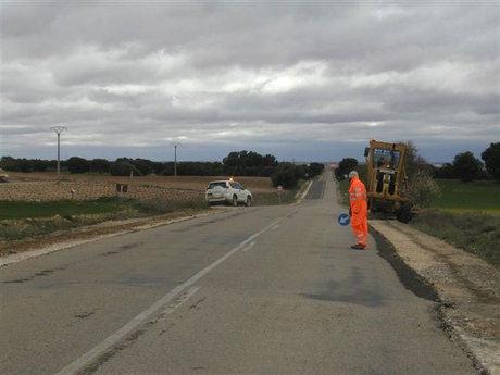 Comienzan las obras de refuerzo en la carretera que une la Alberca de Záncara y San Clemente