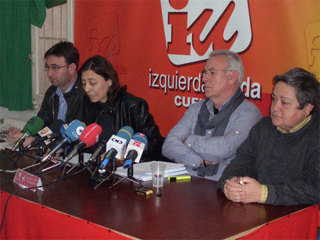 Cayó Lara en su visita en Cuenca corroboró la postura antinuclear de Izquierda Unida