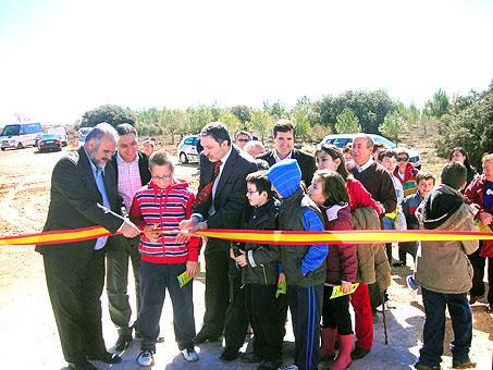 Guerrero inauguró en Almonacid del Marquesado el sellado de una escombrera y el punto limpio municipal