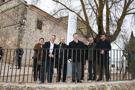 Concluyen las obras de mejora del entorno de la Iglesia de nuestra Señora de la Natividad en Navalón
