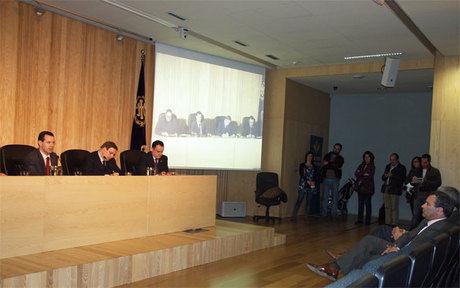 El alcalde de Cuenca asiste a la presentación de las publicaciones de la Junta de Cofradías de la Semana Santa