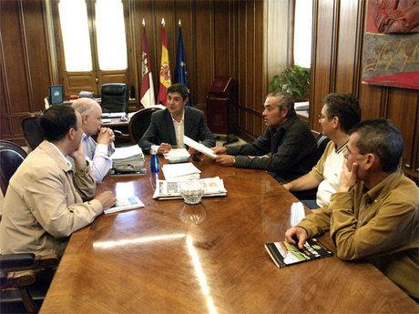 La Diputación cede un local a la Asociación de Amigos del Camino de Santiago para albergue del peregrino