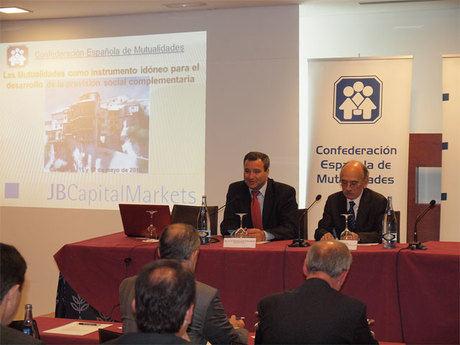 El alcalde inaugura las jornadas de trabajo de la Confederación Española de Mutualidades