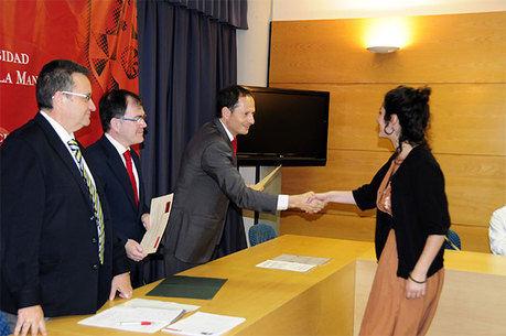 La Universidad regional convoca las becas UCLM-Banco Santander