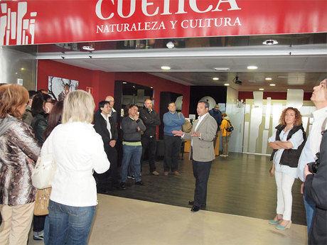 El alcalde recibe al mayor viaje de familiarización de touroperadores realizado hasta la fecha en Cuenca