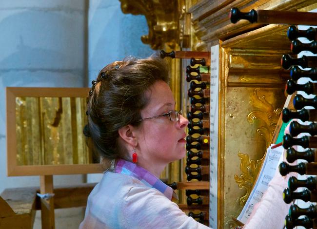 La organista polaca Maria Magdalena Kaczor protagoniza el concierto inaugural de la VII Academia de Órgano