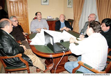 """Los patronos de la Fundación Lozano, """"contentos y satisfechos"""" con el proyecto de una nueva residencia de ancianos"""