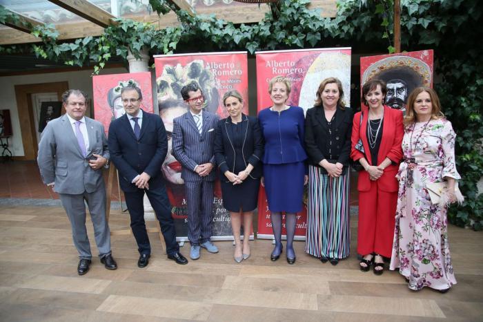 Milagros Tolón destaca el compromiso de Alberto Romero con el arte, la cultura y Toledo en la presentación de su colección 'México y España unidas por sangre y cultura'