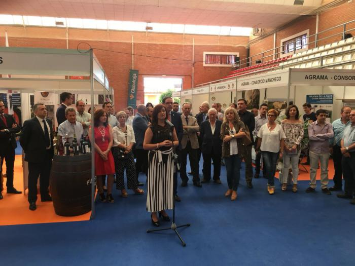 La Confederación de Empresarios y ACESANC participan en FERAGA con un stand propio