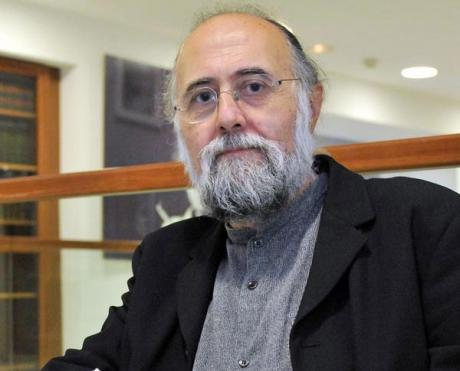José Ángel García presenta su nueva antología poética