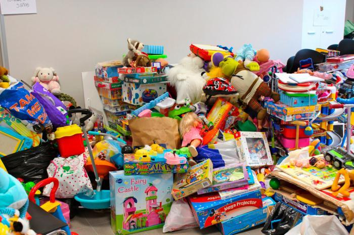 La Junta pone la Sala Iberia a disposición de Cáritas del Cristo de Amparo para la recogida extraordinaria de juguetes