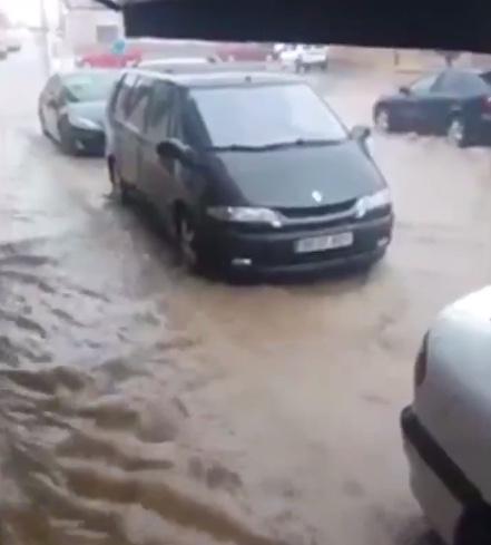 Motilla del Palancar acumula medio metro agua en sus calles tras tromba de agua