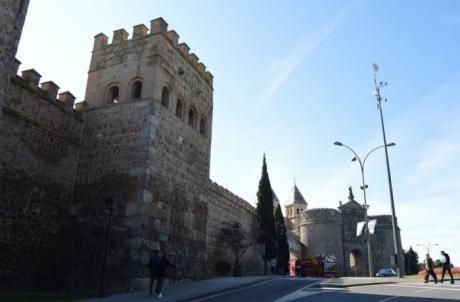 La muralla entre Bisagra y Puerta Nueva en Toledo estrenará iluminación artística por su aniversario como Ciudad Patrimonio