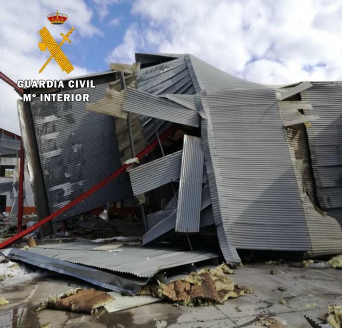 La Guardia Civil ha detenido a cinco personas cuando estaban desmantelando una nave en Ontígola