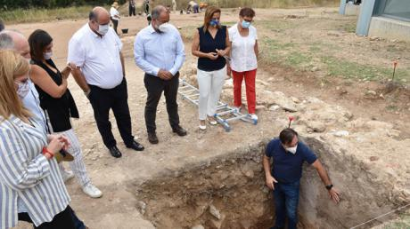 El rector conoce los trabajos arqueológicos realizados por estudiantes de la UCLM en el yacimiento de Noheda