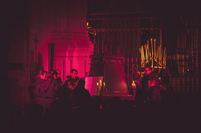 El Coro Alonso Lobo lleva de nuevo a Uclés su 'Oficio de tinieblas' con novedades en su repertorio