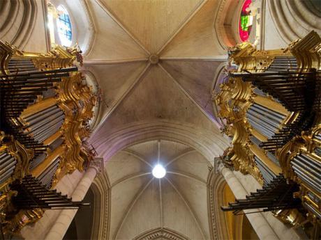 Organistas japonesas se forman en los singulares órganos barrocos de la Catedral