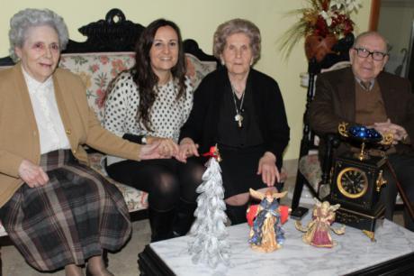La campaña 'Navidad en Compañía. Ningún mayor solo' ha llegado a más de 220 estancias solicitadas en la provincia