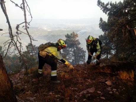 García-Page agradece a sus homólogos en Murcia y Valencia su ayuda técnica y humana para combatir el incendio de Yeste (Albacete)