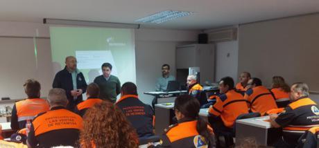 El Gobierno regional forma a más de 30 voluntarios de Protección Civil en un curso sobre riesgo eléctrico
