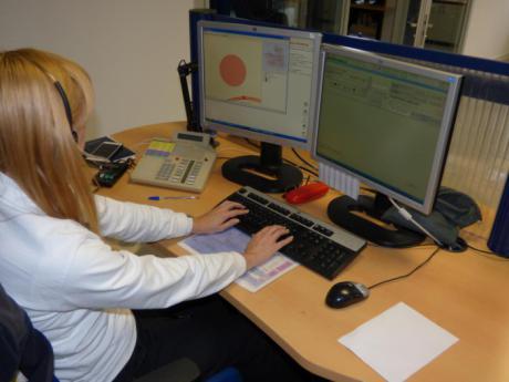 Las llamadas en lenguas extranjeras atendidas por el Servicio de Emergencias 1-1-2 se incrementaron cerca de un 40 por ciento el año pasado