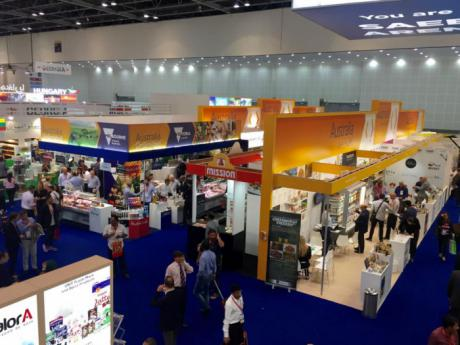 Empresas de alimentos y bebidas sin alcohol de Castilla-La Mancha se promocionan en la mayor cita agroalimentaria del Golfo Pérsico, la feria Gulfood