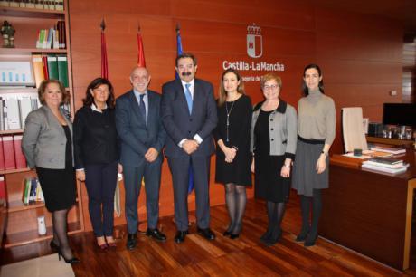 Castilla-La Mancha y GSK firman un convenio para el desarrollo de actividades en el ámbito de la investigación, la formación y la educación sanitaria