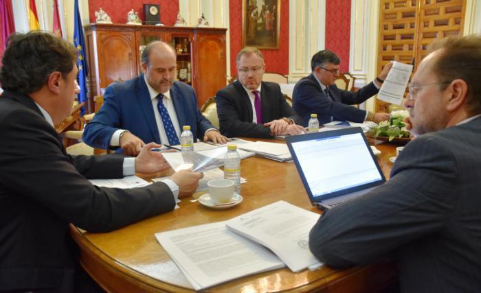 Martínez Guijarro considera que la reunión con el Ayuntamiento de Cuenca ha sido 'fructífera para la ciudad'