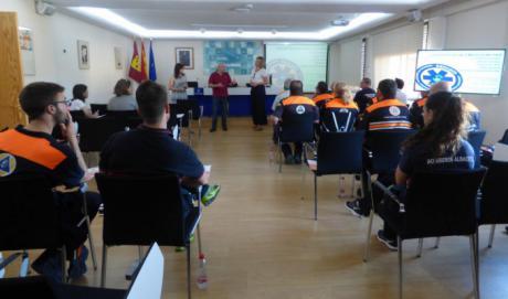 Cerca de 30 profesionales y voluntarios de Protección Civil participan en la primera edición del curso de logística en emergencias