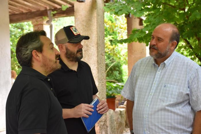 Martínez Guijarro ha visitado hoy el rodaje de 'Rocambola', tercer largometraje del director de cine conquense Juanra Fernández