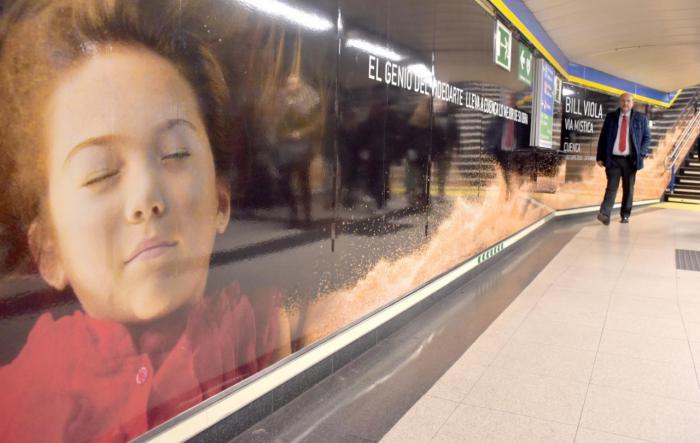 La Junta promociona la exposición de Bill Viola en la estación de Metro de Sol, en Madrid