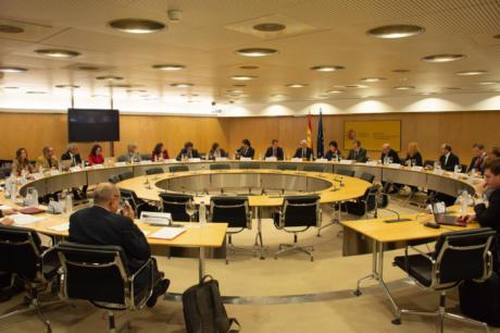 Castilla-La Mancha transmite a los ministerios de Educación y de Ciencia la necesidad de mejorar el actual sistema de becas al estudio