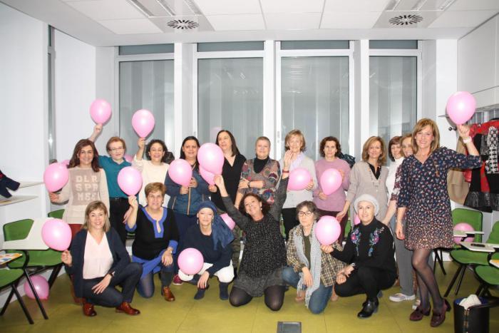 Se consolida en Cuenca la Escuela de Salud y Cuidados de Cáncer de Mama con un segundo taller de pacientes