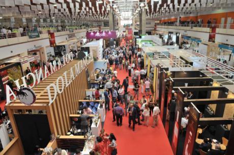 La Junta colabora con la Diputación de Ciudad Real en la captación de compradores en FENAVIN