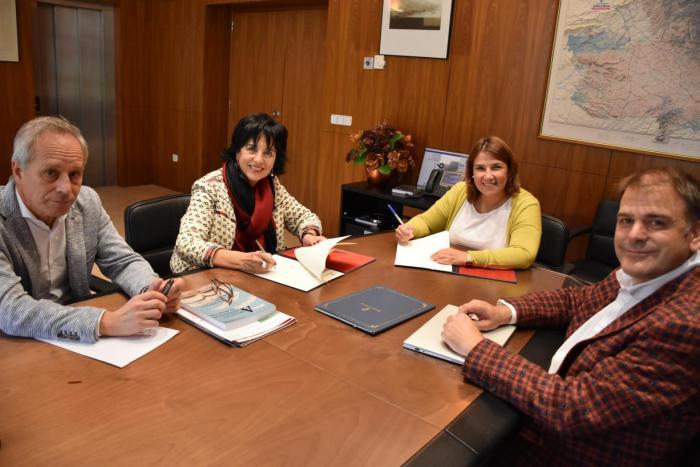 La Consejería de Fomento firma un convenio con CAUMAS para fomentar y potenciar la inclusión digital entre la ciudadanía de Castilla-La Mancha