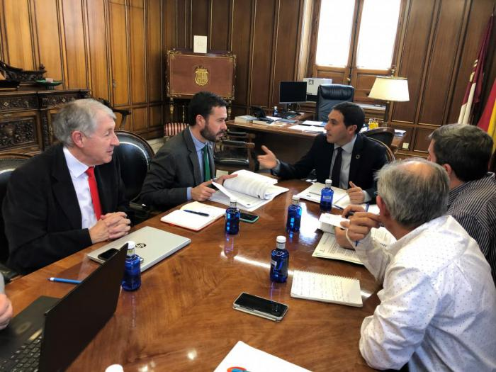 Reunión entre José Luis Escudero y Álvaro Martínez Chana