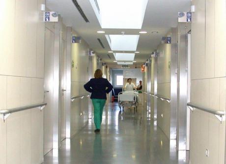 La Junta reforzará progresivamente la plantilla de los centros sanitarios para hacer frente al incremento de la demanda asistencial por coronavirus