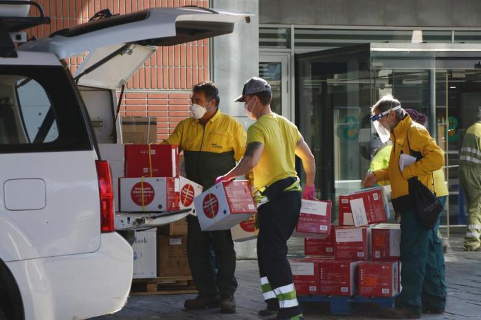 Nuevo envío de más de 203.000 artículos de protección para los profesionales sanitarios y 9.400 test rápidos