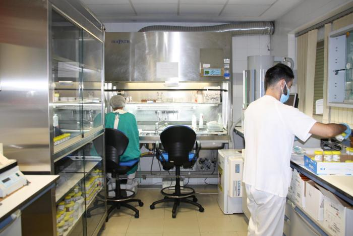 El Virgen de la Luz culmina el proceso de renovación de la Sala de Procesamiento de Muestras del Servicio de Anatomía Patológica