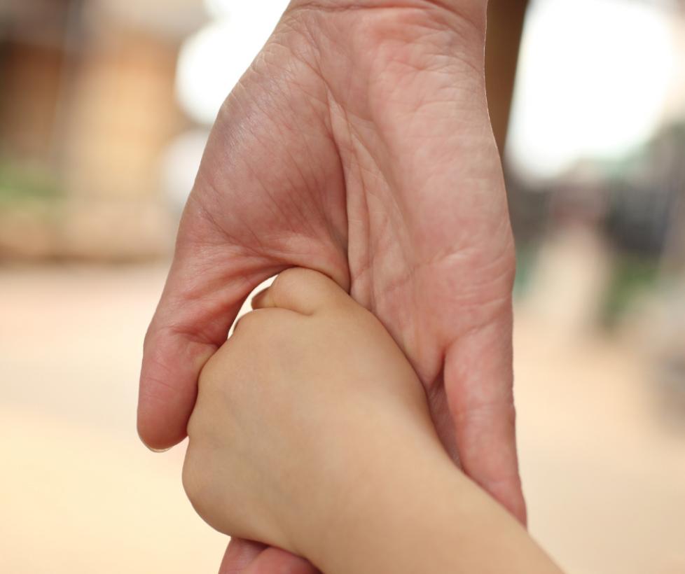 Apoyan la inserción sociolaboral de madres vulnerables con hijos a cargo