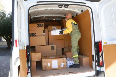 Sanidad ha distribuido esta semana más de 433.000 artículos de protección a los centros sanitarios