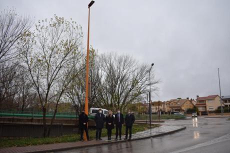 La Junta apoya la apuesta del Ayuntamiento por la eficiencia y el ahorro energético con la renovación del alumbrado público exterior y una inversión de 2,3 millones de euros