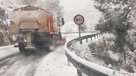 Se actúa en más de 2.400 kilómetros de la Red Regional de Carreteras afectadas por la nieve y las heladas