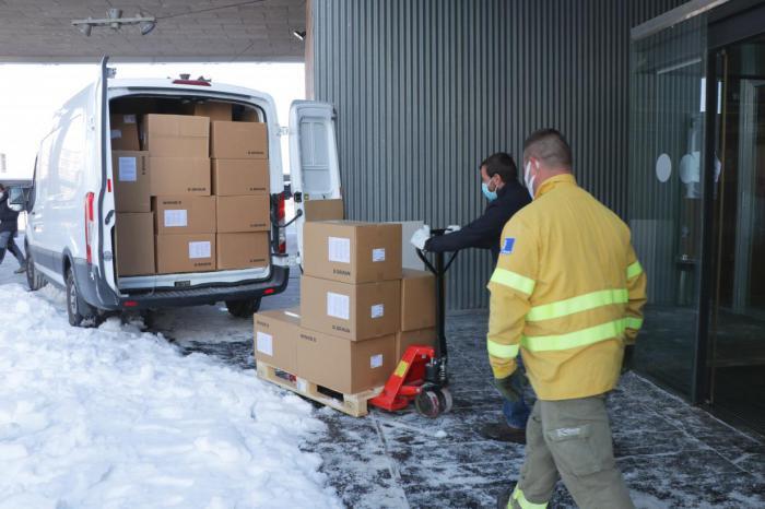 Castilla-La Mancha ha distribuido esta semana más de 300.000 de artículos de protección para profesionales sanitarios