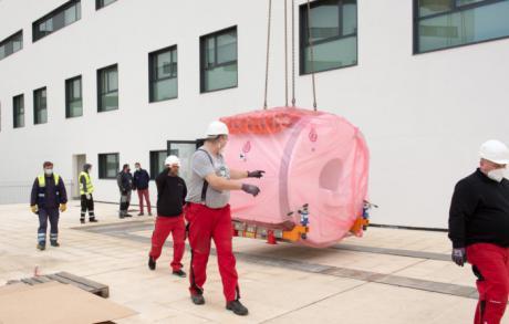 Comienza la instalación del equipamiento de alta tecnología del Hospital Universitario de Toledo