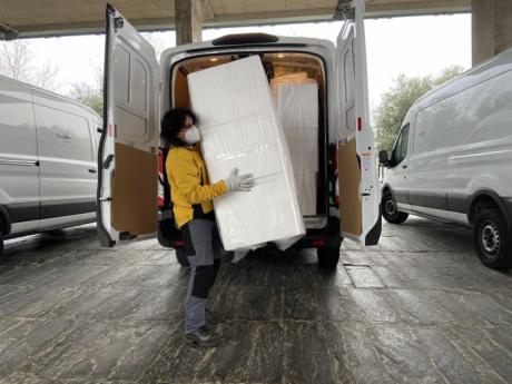 Sanidad ha distribuido esta semana más de 200.000 artículos de protección para profesionales sanitarios