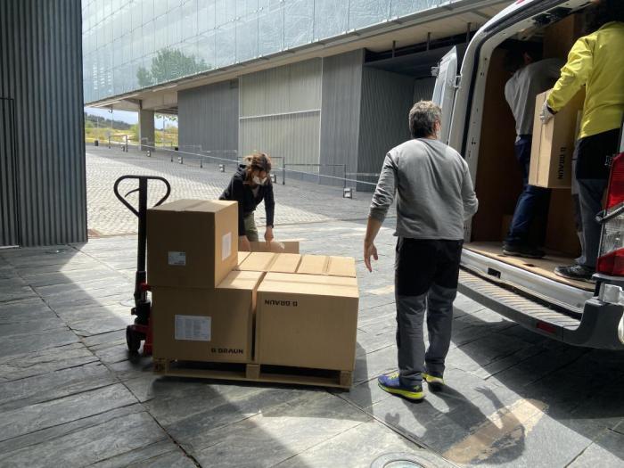 Sanidad ha distribuido esta semana cerca de 260.000 artículos de protección a los centros sanitarios
